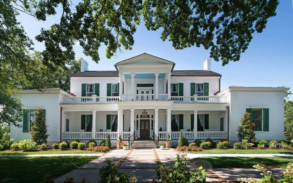 Visit the beautiful and luxury Bed and Breakfast in Nashville, Belle Air Mansion